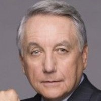 Ethan Kanin played by Bob Gunton
