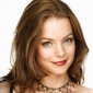 Dana played by Kimberly Williams-Paisley