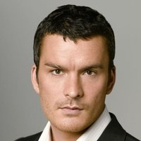 Thomas Grace played by Balthazar Getty