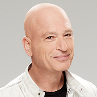 Judge played by Howie Mandel
