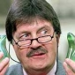 Presenter (2) played by Tim Wonnacott