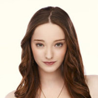 Melanie Segalplayed by Emma Dumont