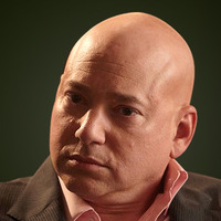 Charlie Runkle played by Evan Handler