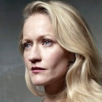 Amanda Graystone played by Paula Malcomson
