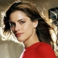 Robyn Gainerplayed by Amanda Peet