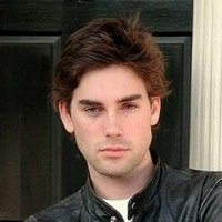 Chris Halliwell played by Drew Fuller