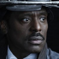 Chief Wallace Boden played by Eamonn Walker