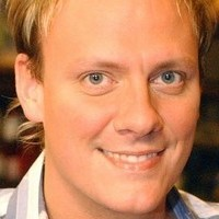 Sean Tully played by Antony Cotton