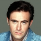 Steve Taylor played by Jack Davenport
