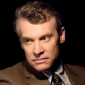 Tom Shayes played by Tate Donovan