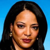 Lt. Maria Laguerta played by Lauren Vélez