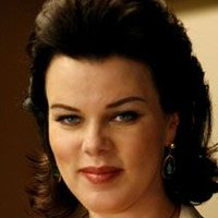Shauna Roberts played by Debi Mazar