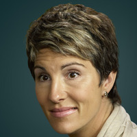Beverly Lincoln played by Tamsin Greig