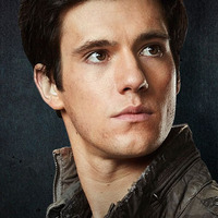 Hal Mason played by Drew Roy