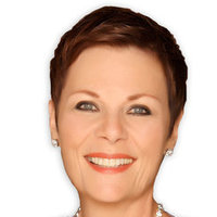 Tracy Quartermaine played by Jane Elliot