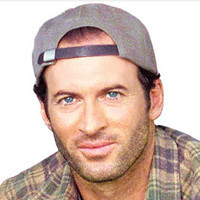 Luke Danes played by Scott Patterson