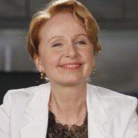Dr. Ellis Grey played by Kate Burton