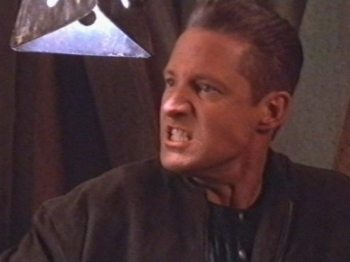 Babylon 5 - 04x17 The Face of the Enemy