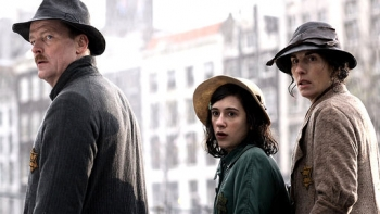 The Diary of Anne Frank (UK) - 01x01 Episode 1