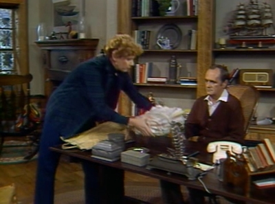Newhart - 01x08 Some are Born Writers...Others Have Writers Thrust Upon Them