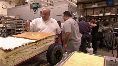 Cake Boss - 04x19 Moving Cake, Marbles & Mess Ups