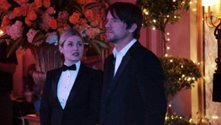 Happy Endings - 02x21 Four Weddings and a Funeral (Minus Three Weddings and One Funeral)
