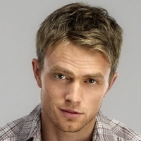 Wade Kinsella played by Wilson Bethel