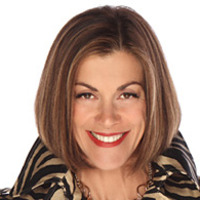 Victoria played by Wendie Malick