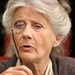 Aunt Aurielplayed by Phyllida Law
