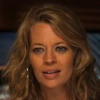 Taraplayed by Jeri Ryan