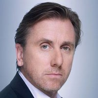 Dr. Cal Lightman played by Tim Roth