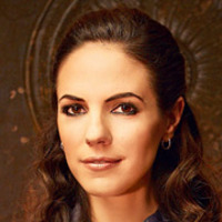 Bo played by Anna Silk