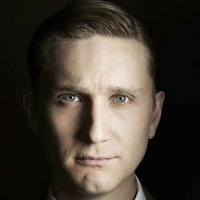 Ken Cosgrove played by Aaron Staton