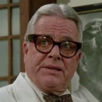 Dr. Seth Hazlitt played by William Windom