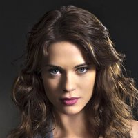 Alex played by Lyndsy Fonseca