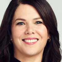 Sarah Bravermanplayed by Lauren Graham