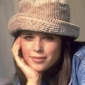 Julia Salingerplayed by Neve Campbell