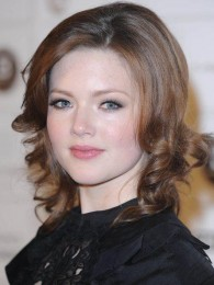 Holliday Grainger - TV Celebrit...