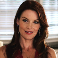 Ashley Marin played by Laura Leighton
