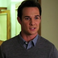 Ian Thomas played by Ryan Merriman
