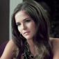 Juliet Martin played by Zoey Deutch
