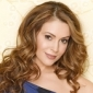 Rebecca Thomasplayed by Alyssa Milano