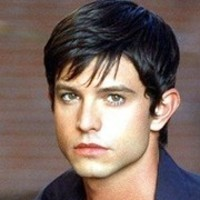 Max Evans played by Jason Behr