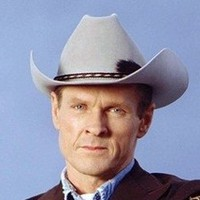 Sheriff Jim Valentiplayed by William Sadler