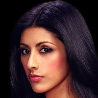 Divya Katdare played by Reshma Shetty