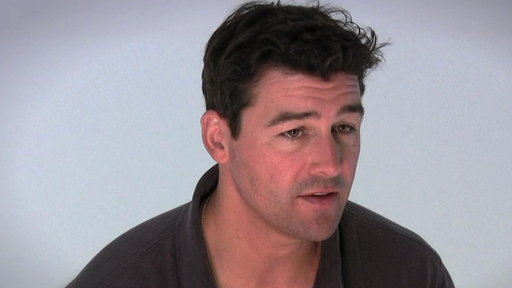 S04E0 All-new Interview With Kyle Chandler