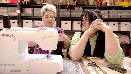 S01E10 Izzy Learns to Sew
