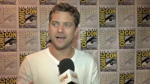 S4E0 Joshua Jackson in the Press Room