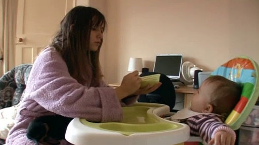 Underage and Pregnant (UK) - 01x02 Kim and Jasmine