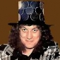 Noddy Holderplayed by Noddy Holder
